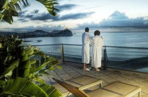 http://oferplan-imagenes.elnortedecastilla.es/sized/images/Hotel_-_Vistas_al_Mar_y_al_Castillo_thumb_1444382320-300x196.jpg