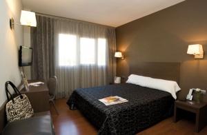 http://oferplan-imagenes.elnortedecastilla.es/sized/images/hotel-cisneros31_thumb-300x196.jpg