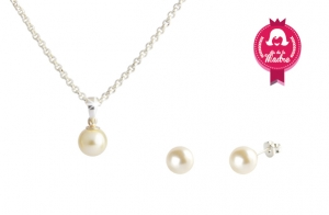 Set perla made with SWAROVSKI® 19€